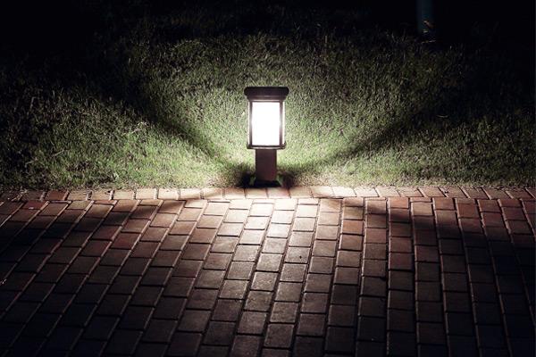 Đèn trụ sân vườn Solux