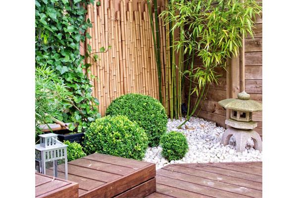 Trang trí sân vườn bằng gỗ và tre, nứa